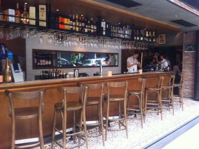 Intalnire de bar pentru un singur